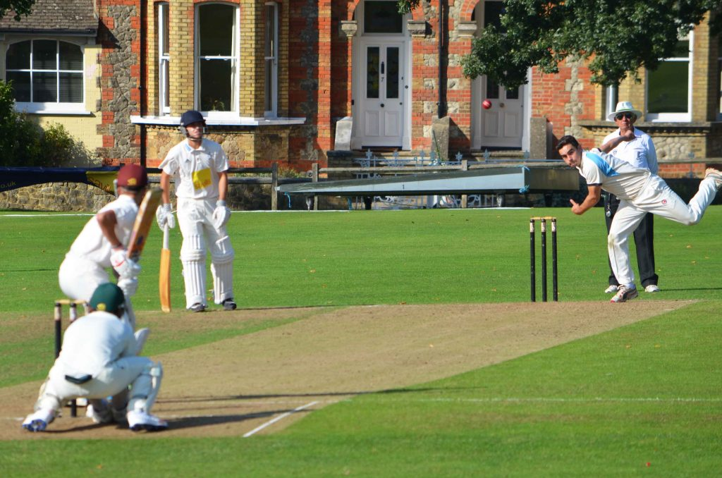 R Davies bowling for the Dragons, Sevenoaks Vine, 2017